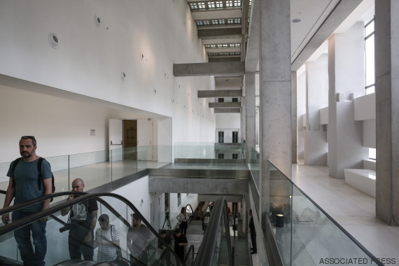 o NATIONAL MUSEUM OF CONTEMPORARY ART ATHENS 570 2